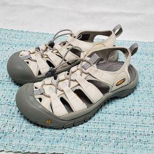 Keen Shoes Women's 7 White Gray Watershoes
